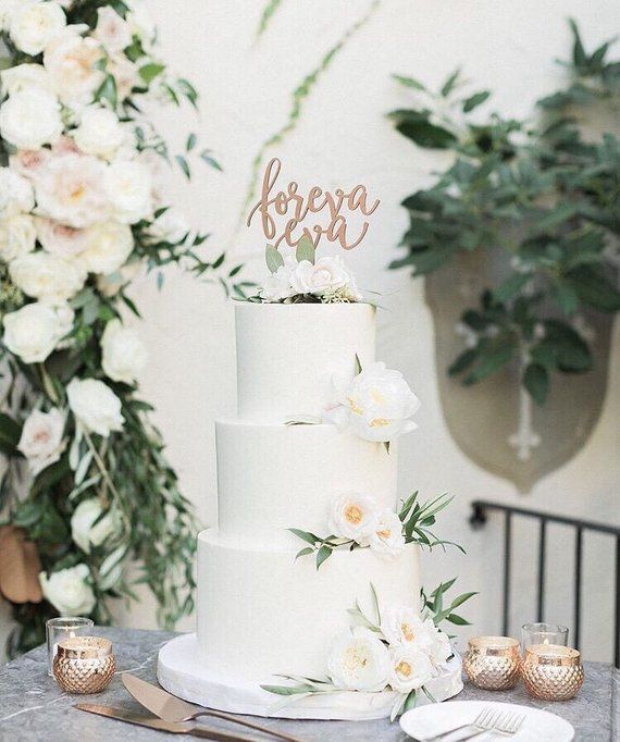 Wedding Cake Toppers That Wow Wedding Cake Toppers Wedding Cake Fresh Flowers White Wedding Cakes
