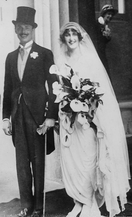 Wedding of Oswald Mosley and Lady Cinthia Curzon in 1920. George ...