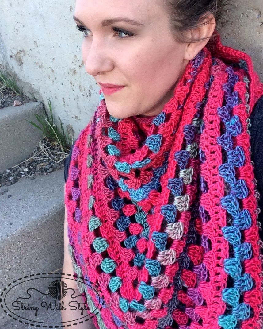 Granny Stitch Triangle Crochet Scarf Pattern | Guantes