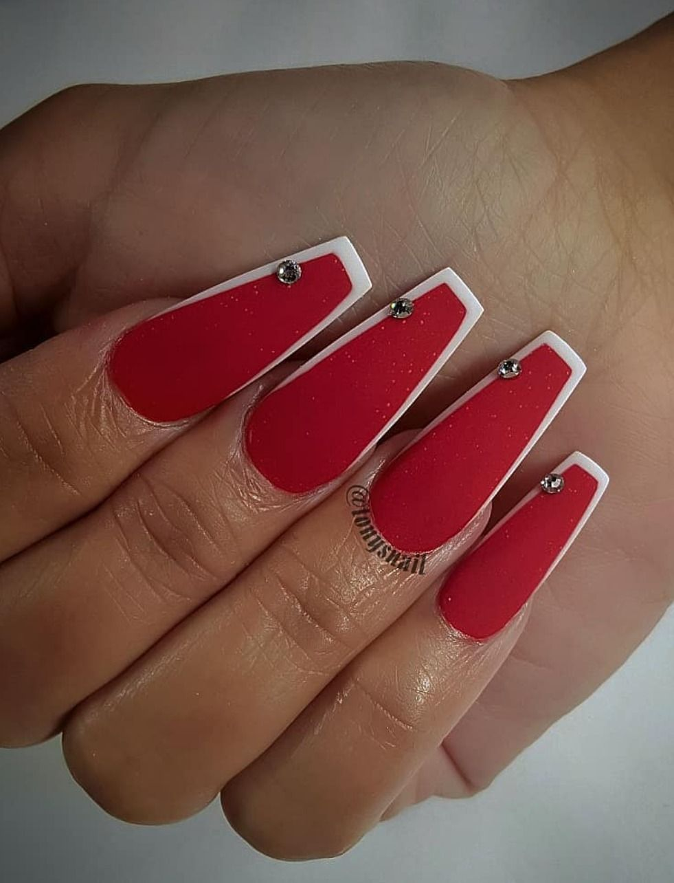 9 Stunning Modern French Manicure Ideas Stylish Belles White Tip Nails Red And White Nails Red Acrylic Nails