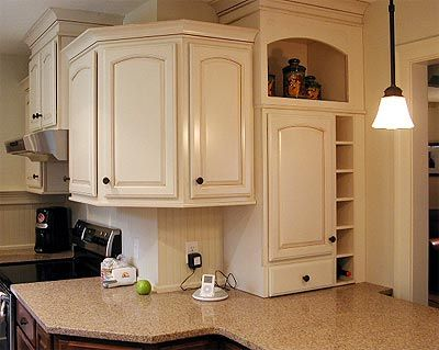 Annandale Kitchen Upper Cabinets Wrap Around A Corner With