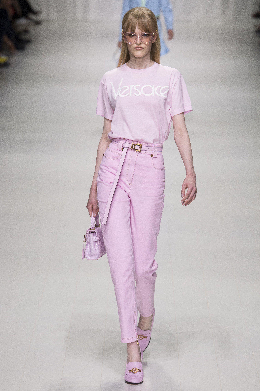Versace Spring 2018 Ready-to-Wear Fashion Show | Alta moda, Desfiles ...