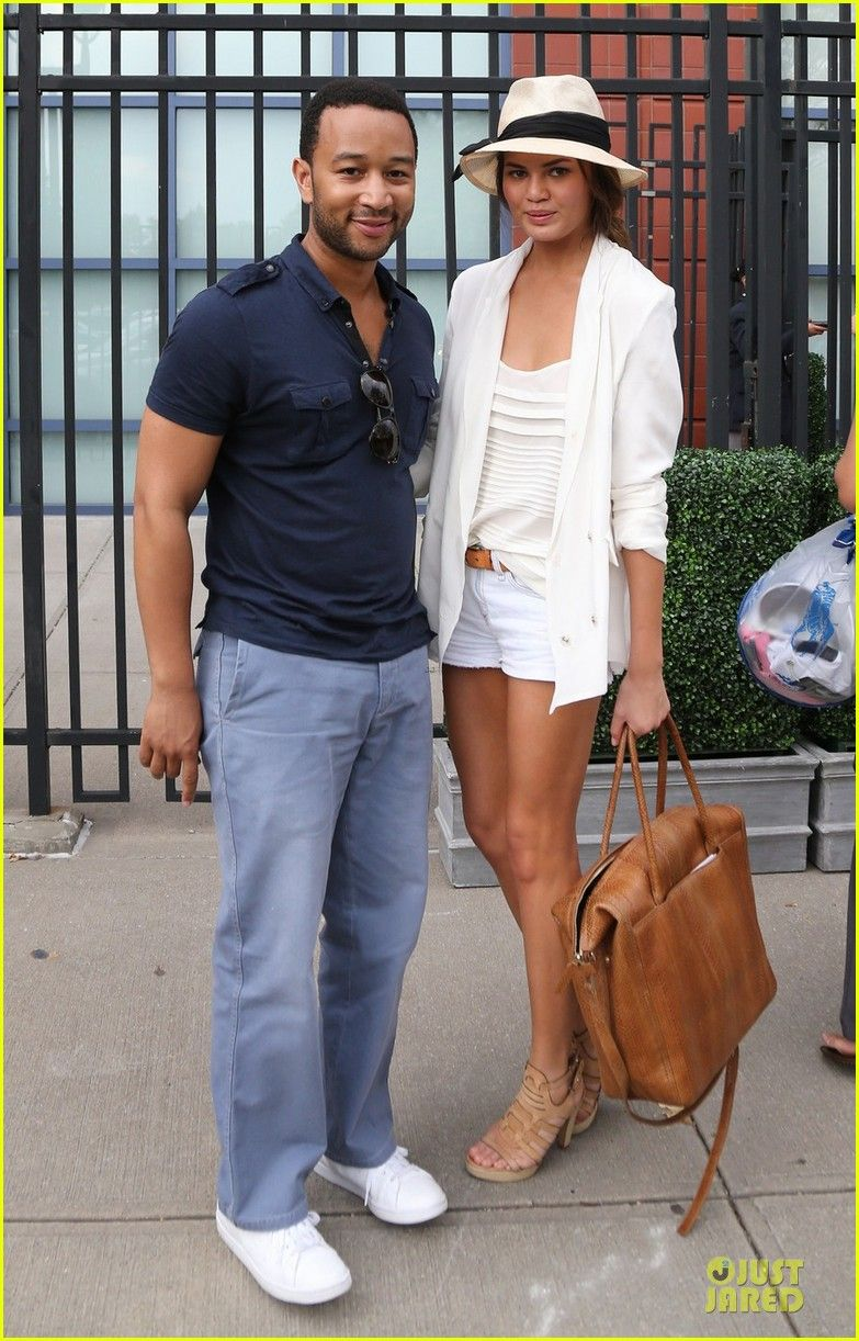e8bc19d4 Chrissy Teigen has great style. Want this whole outfit. | Dream ...