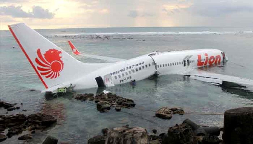 Indonesia 189 Missing In The Crash Of A Boeing 737 Max 8 Off The Archipelago A Lion Air Boeing 737 Crashed Monday Morning Of Boeing 737 Boeing Passenger Planes