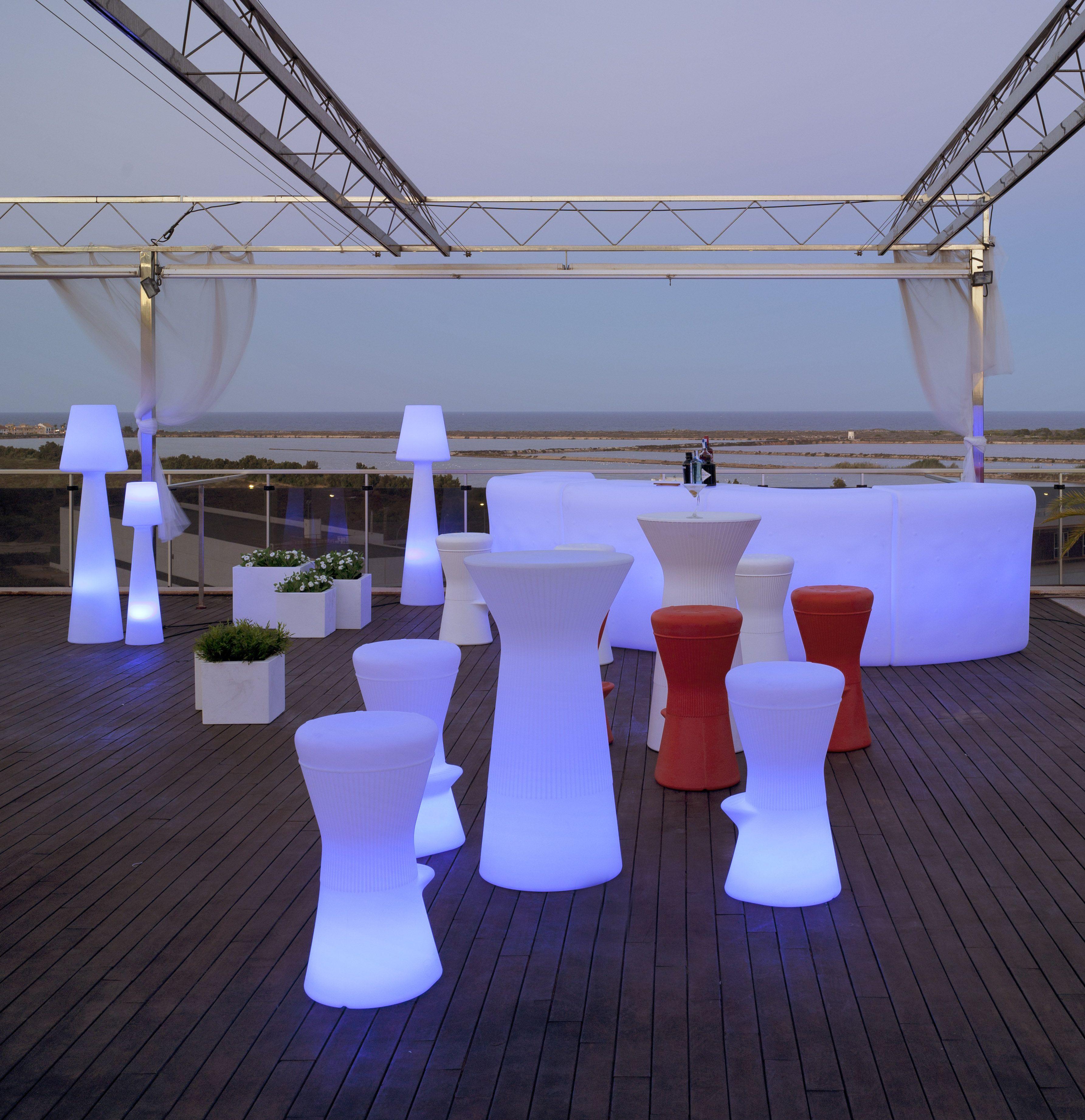 Mobiliario de exterior iluminado sistema inalambrico wireless ...