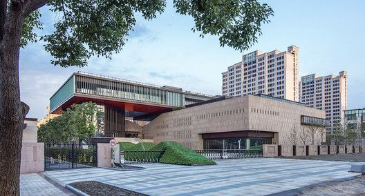 Gallery of Waigaoqiao Cultural & Art Centre / Tianhua Architecture Planning & Engineering Ltd. – 14