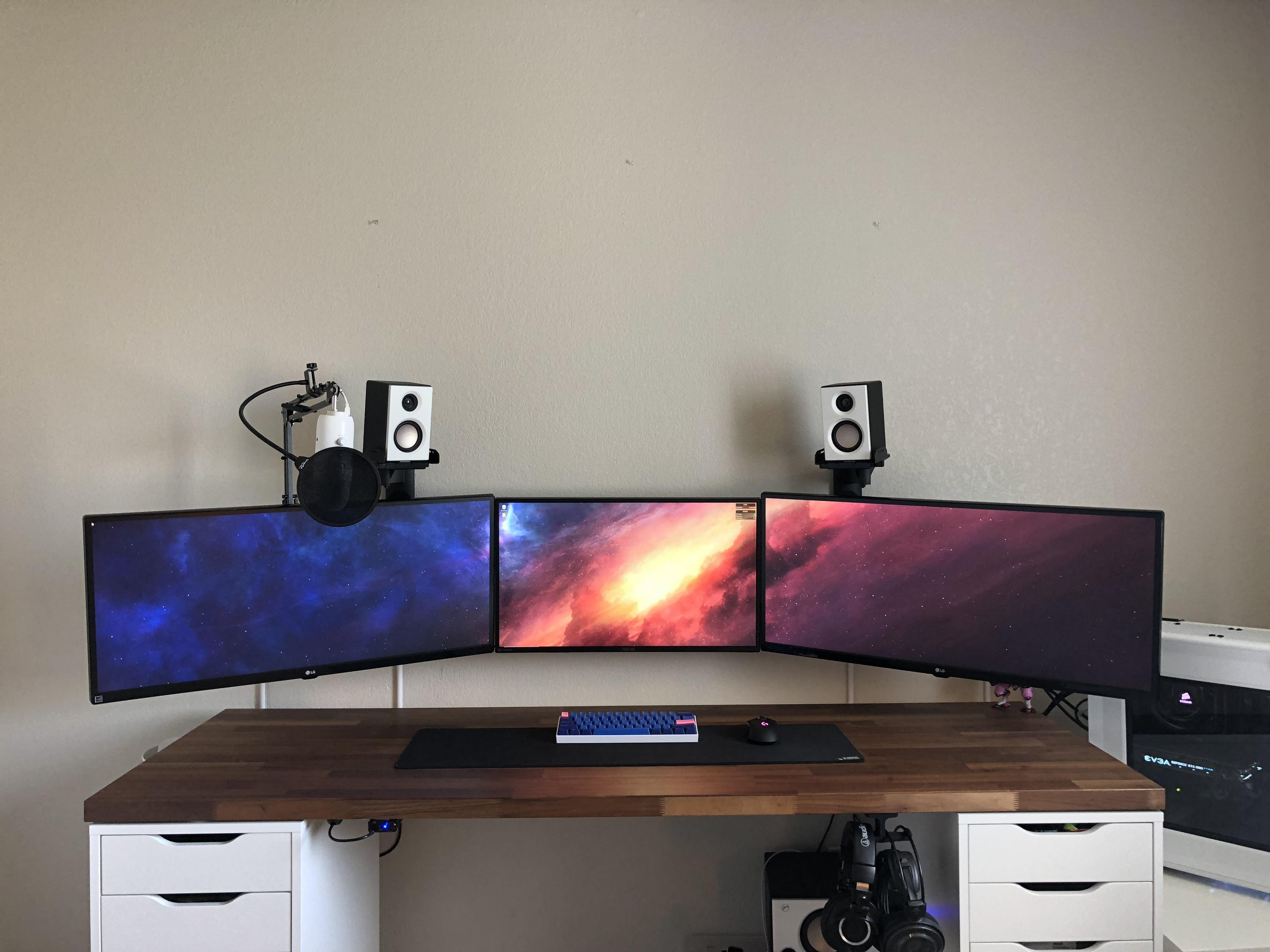 Need help decorating renovating this triple monitor setup house