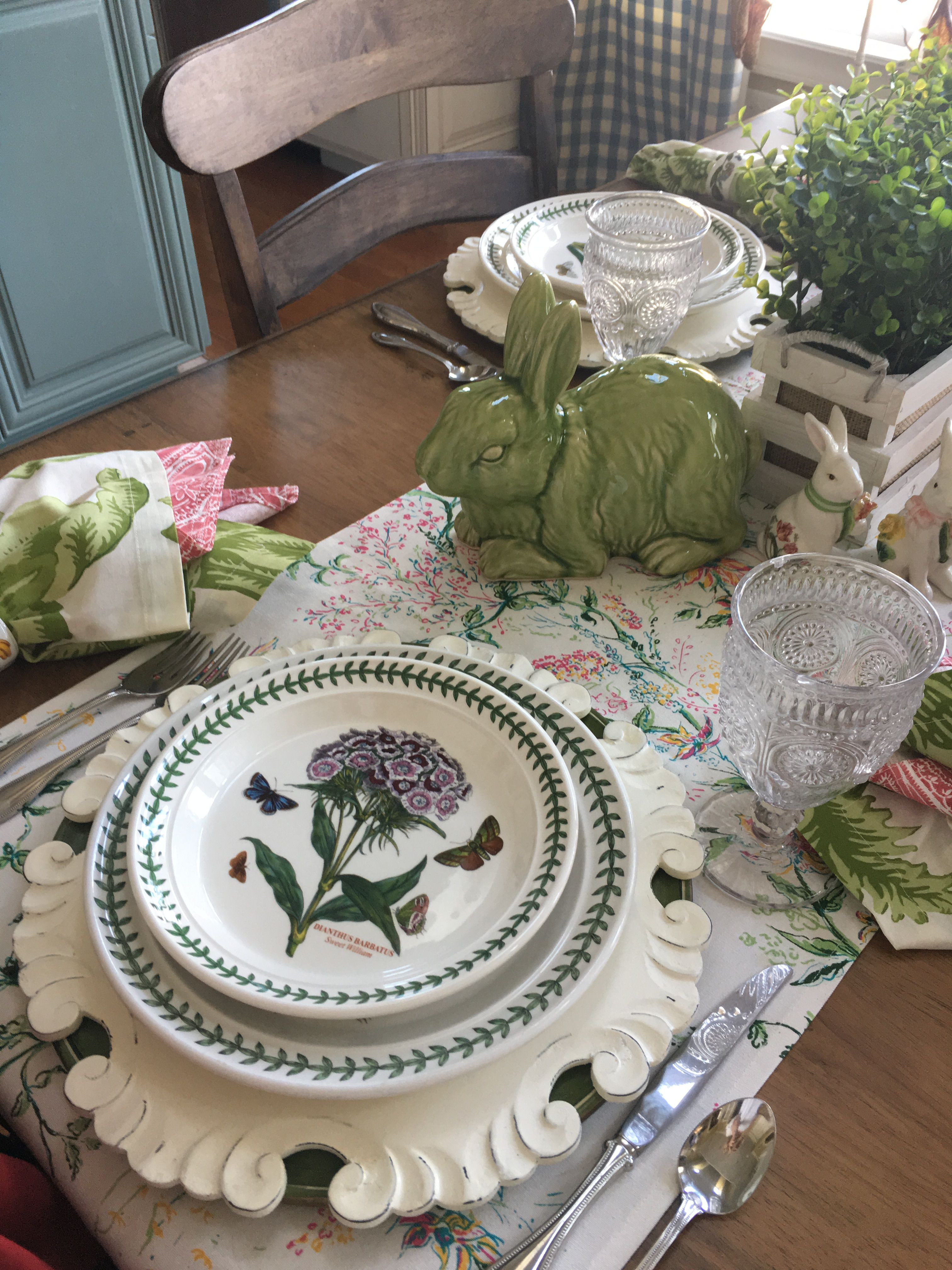 Spring table with Portmeirion Botanic Garden, fresh linens ...