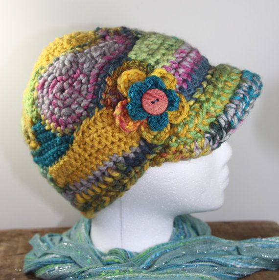 Freeform Crochet Newsboy Cap With Flower | Mütze, Stulpen und ...
