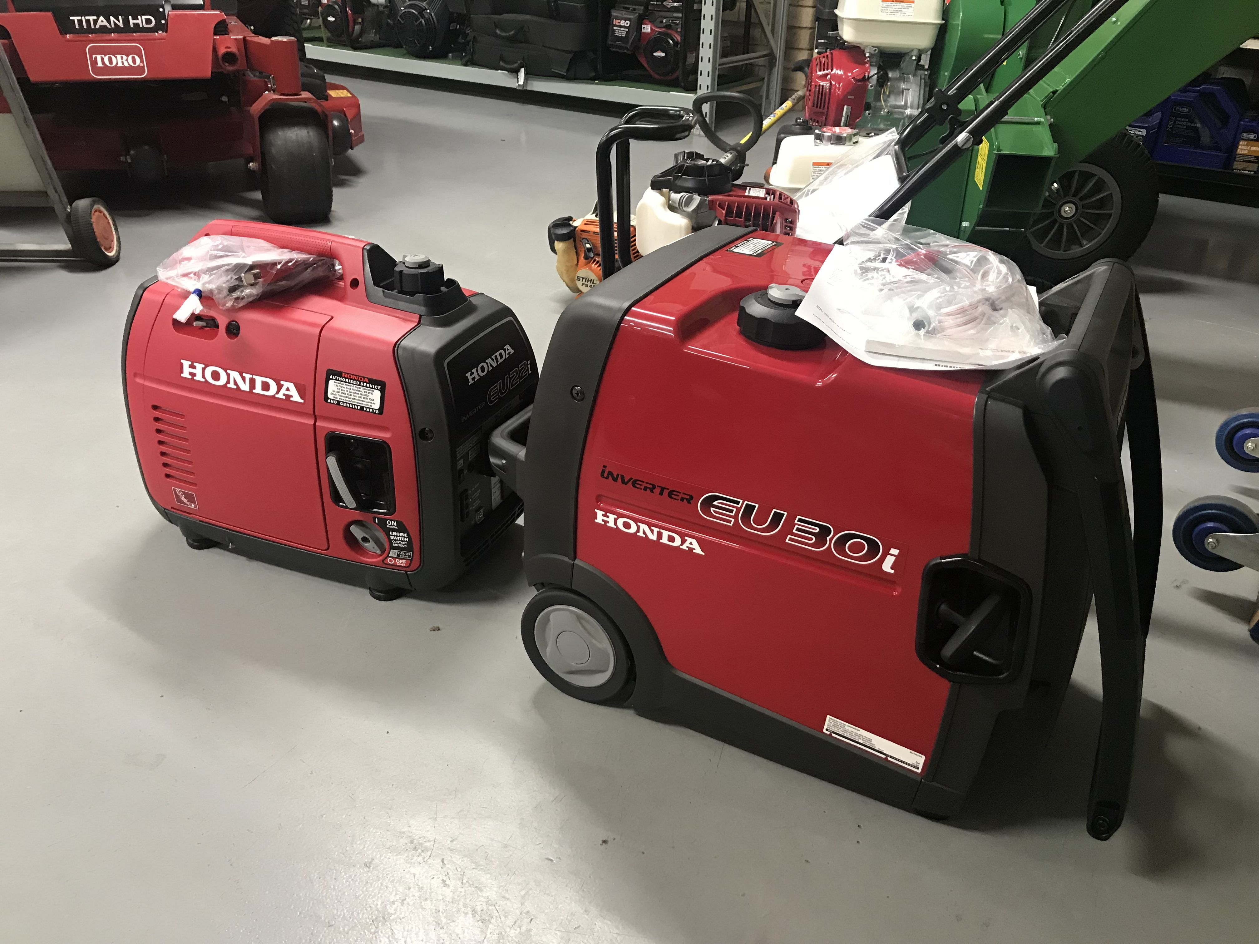 A few last Genny's getting picked up, looks like a nice long weekend for a camp out. We're closing today at 4pm, enjoy your break, back open on Tuesday.  . . . .  . . .  #honda #geraldton #geraldtonmowers #weareyardsinfront #hondapowerequipment #eu30i #eu22i #inverter #generator