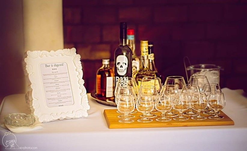 L Atelier Traiteur Alcools Bar Faire Part Mariage Jeux Mariage Mariage Boheme Mariage Champetre Mariage Champetre Deco In 2020 Bar Wedding Planner Dream Wedding