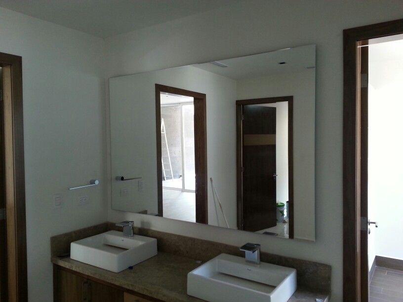 Espejo flotado espejos pinterest espejo y ba os for Espejo con almacenaje