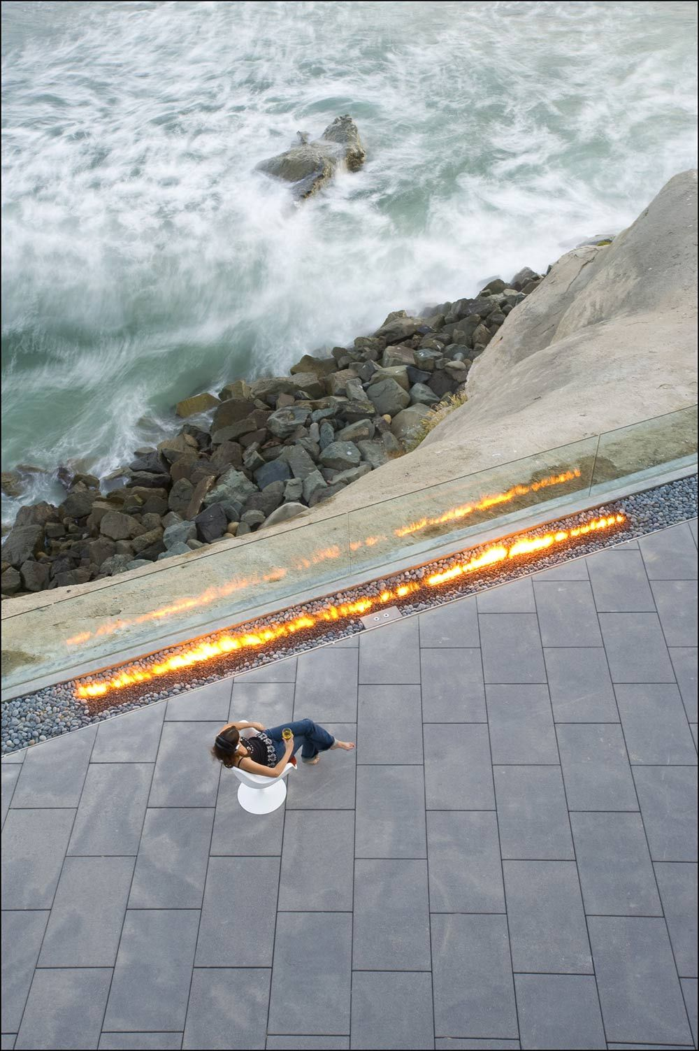 Outdoor Contemporary Fire Glass Fence Exquisite Ocean Front - Contemporary glass residence