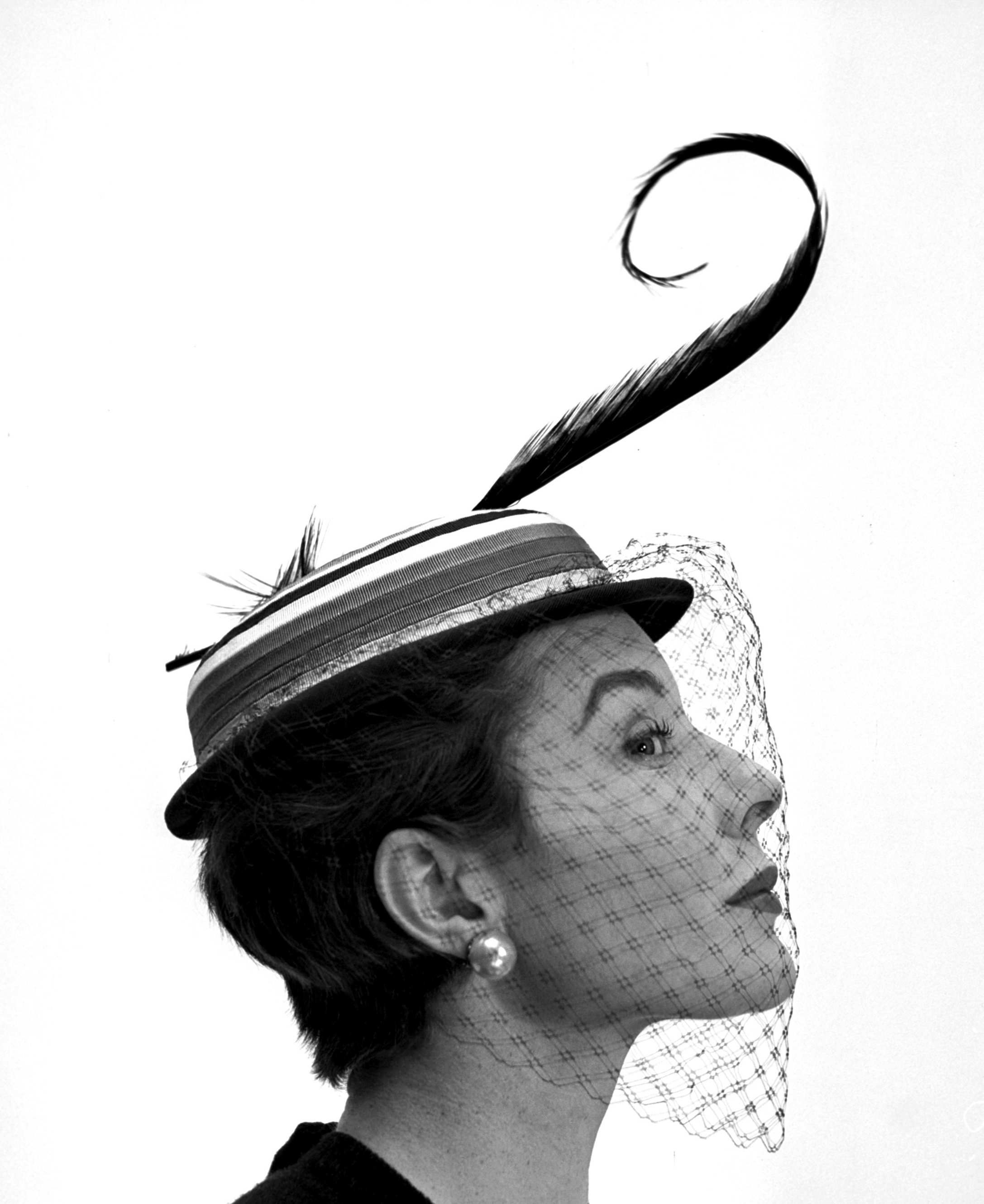 BETTINA: A LOOK AT ONE OF FASHION'S FIRST MUSES 1953 Photo: Georges Dambier. Courtesy of Galleria Carla Sozzani.
