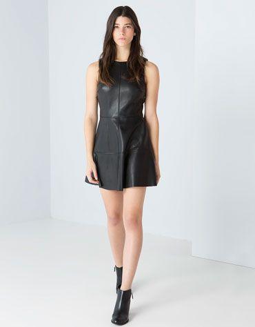 en pies tiros de mejor online buena textura Vestido polipiel Bershka sin mangas | Cuero | Vestidos ...
