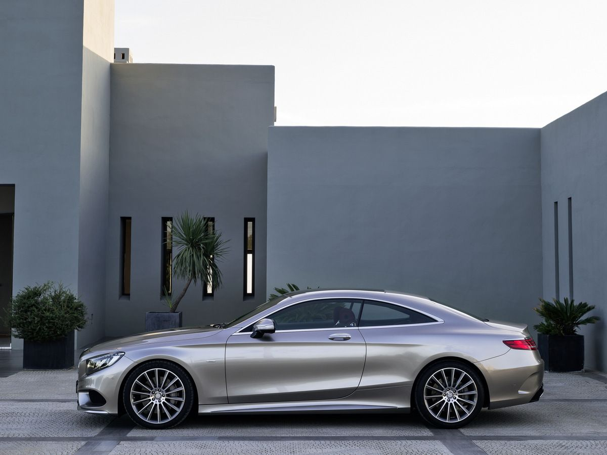 Mercedes Benz S Class Coupe Shows Exquisite Design Pictures
