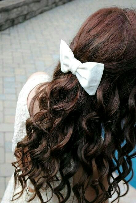 Curly Hair With White Bow Wavy Hair Fashion Pretty