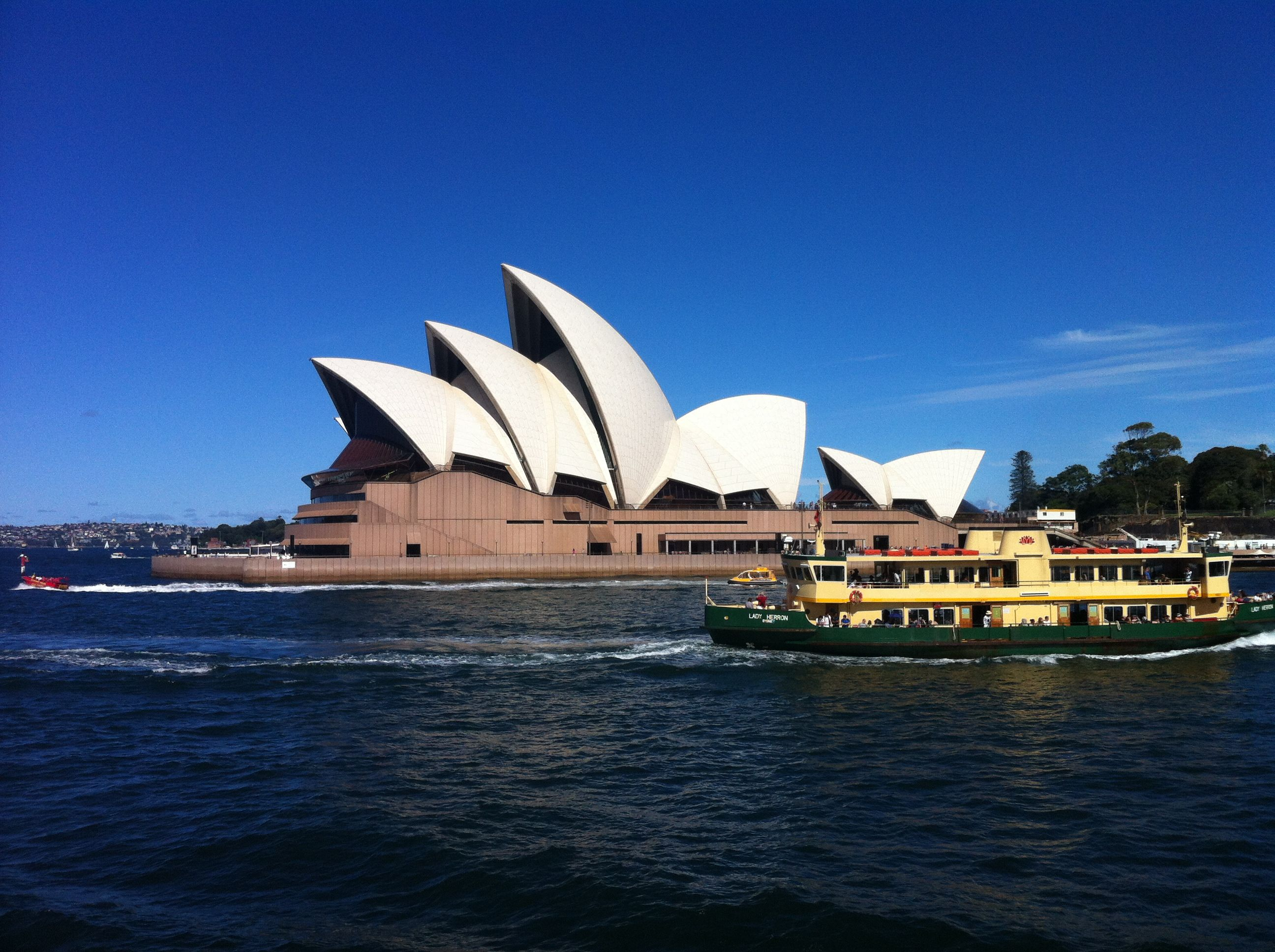 Enjoy the vibrant urban life in Sydney