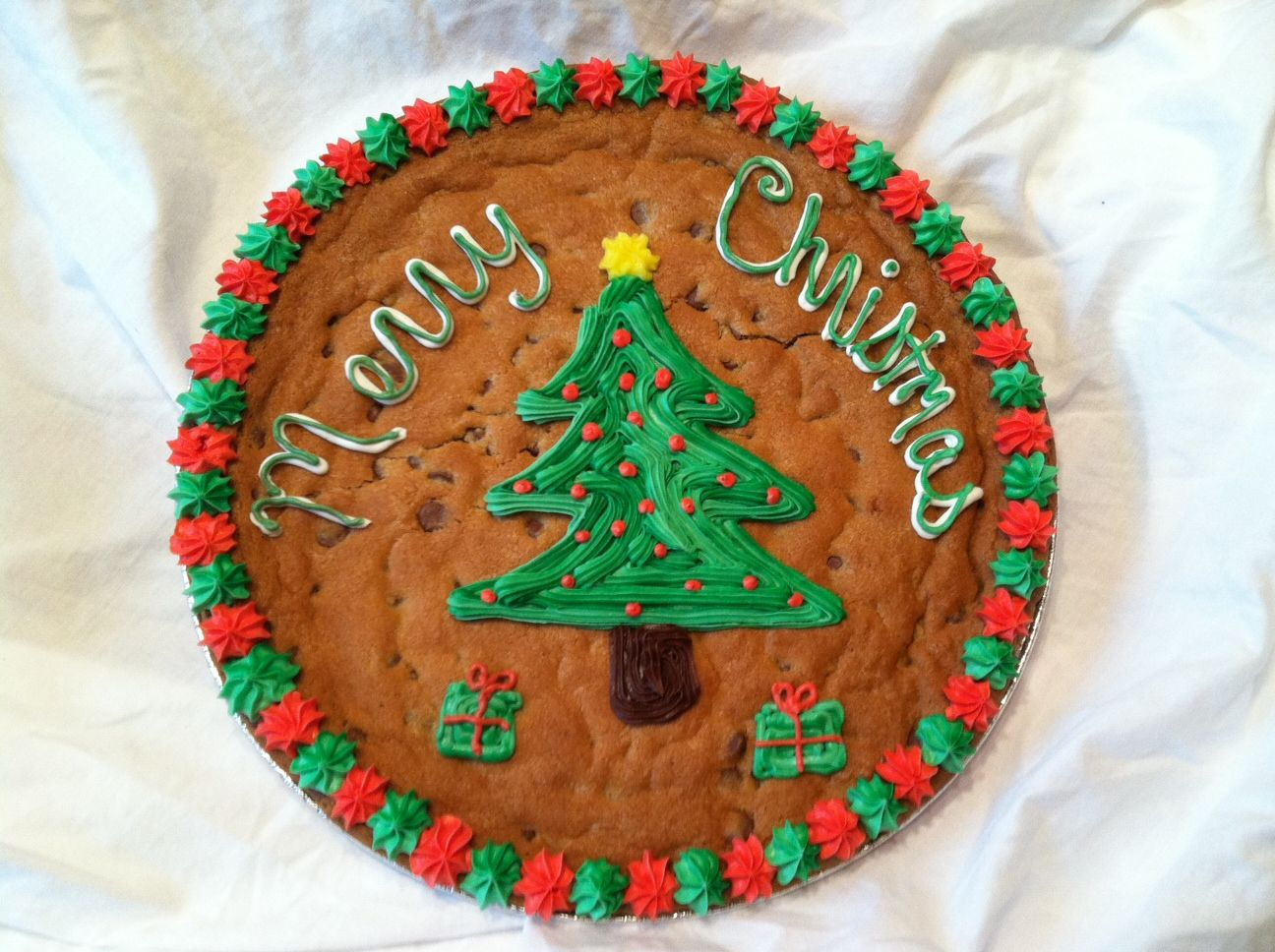 Christmas Cookie Cake Cakes And Cupcakes In 2019 Cookie Cake