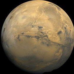 Imágenes de la NASA de Marte desde la nave Orión.