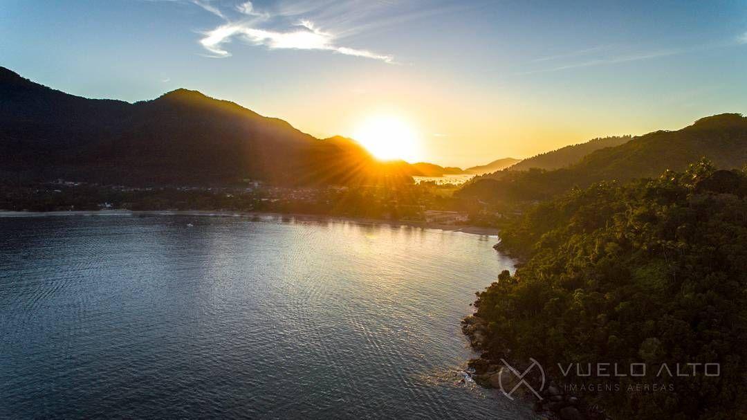 Nasce Um Novo Dia: O Sol Nasce E Traz Um Novo Dia Nesse Paraíso Que é Ubatuba