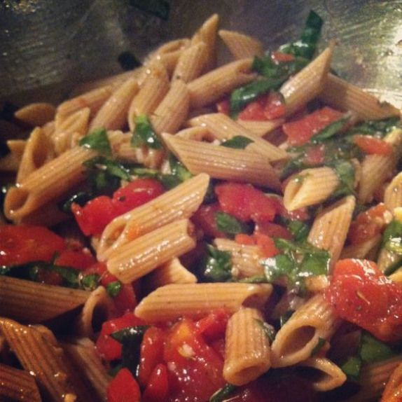 Daniel Fast whole wheat pasta with diced tomato spinach garlic olive oil