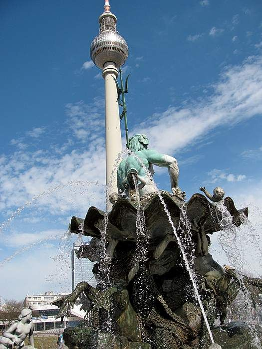 Brunnen Mit Fernsehturm Berlin Fernsehturm Stadt Land