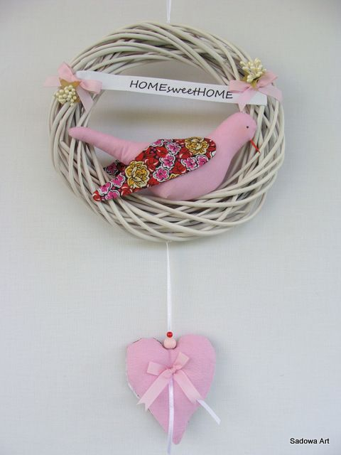 Lovely Decorative Wreath - Pink 'Home<3Sweet<3Home'' Diameter - 20cm Extra Bilateral Heart