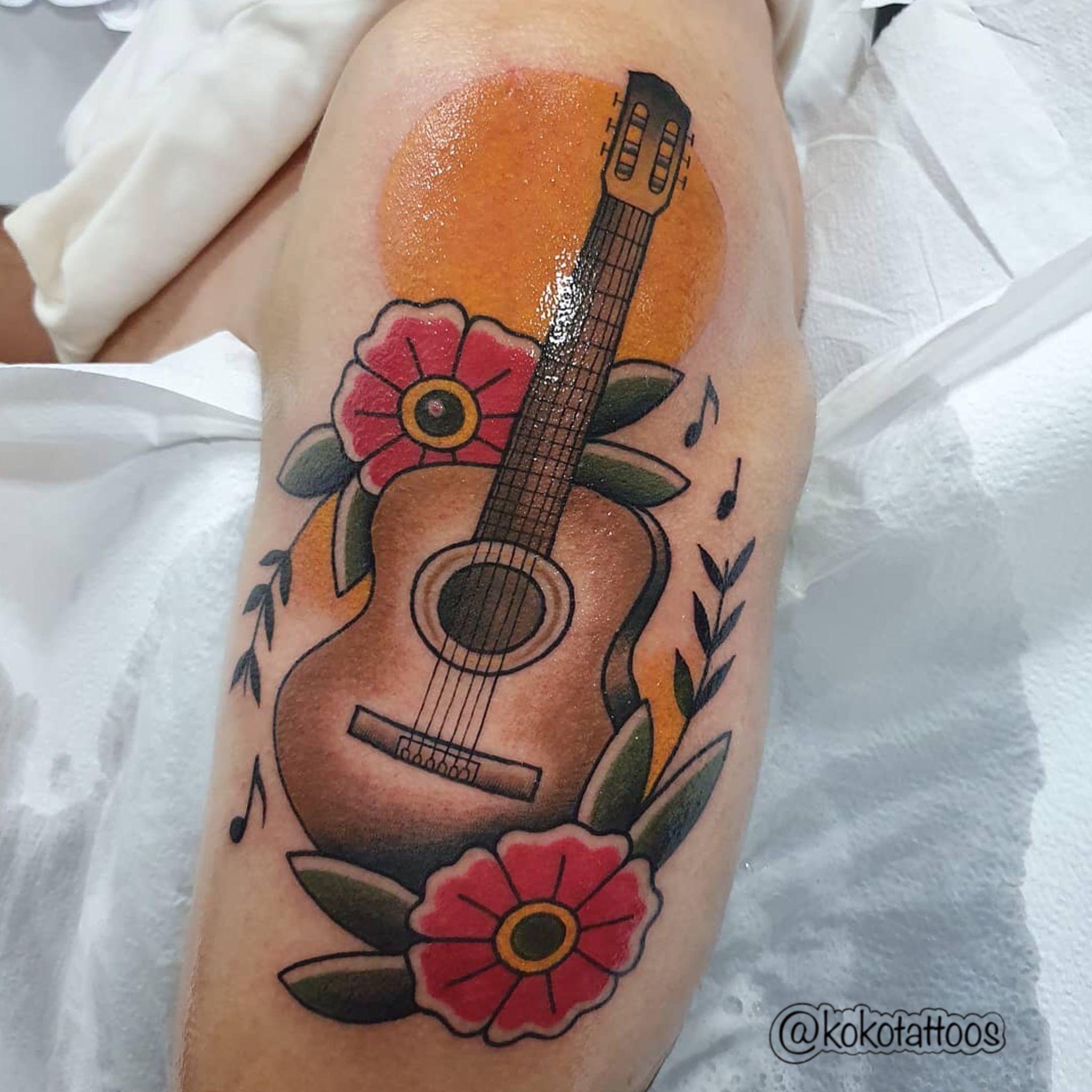 Instagram:@kokotattoos #tattoo #tattoos #neotraditionaltattoo #neotraditionaltattoos #guitarra #guitarratattoo #colortattoo #colortattoos #neotradicional #neotradicionaltattoo #neotradicionaltattoos #neotrad #tatuaje #tatoo #tatto #arte #dibujo #pintura #kokotattoos #koko