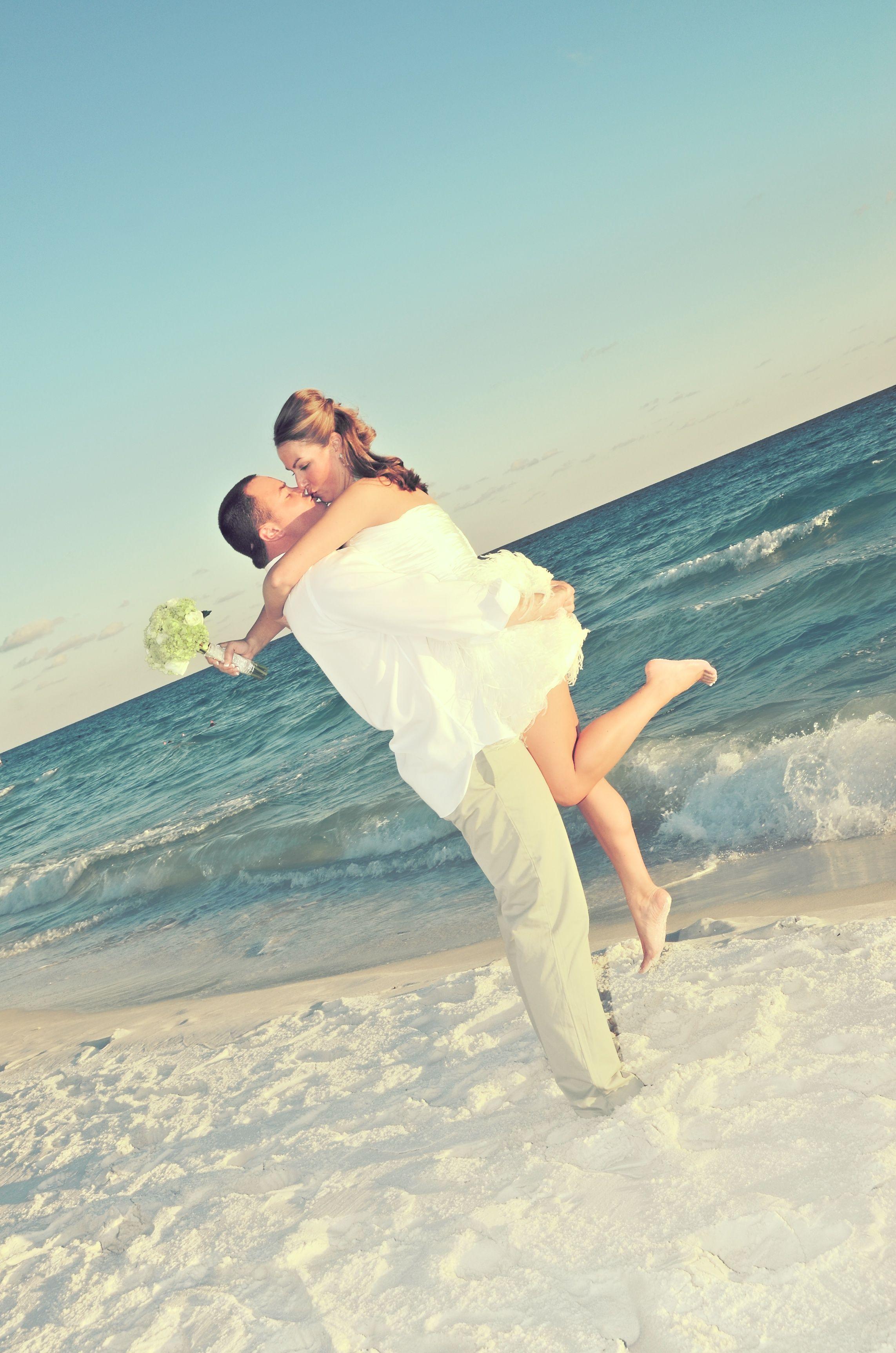 Romantic Beach Wedding In Destin Florida This Couple Said I Do