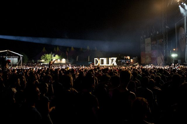 Dour Festival 2014 - samedi - ambiance © Nicolas Debacker | Flickr – Compartilhamento de fotos!