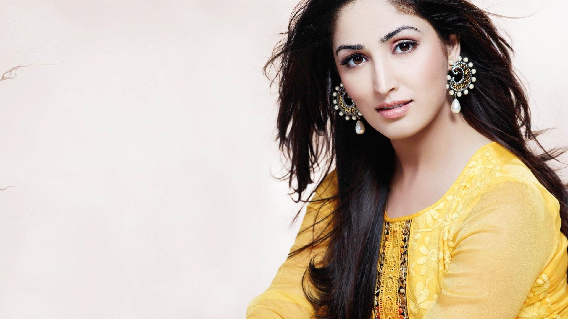 Wonderful Bollywood Actress Hd Wallpapers 1366x768 On Windows Wallpaper Themes With Bollywood Actress Wallpaper Bollywood Actress Beautiful Bollywood Actress