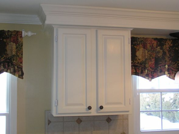 Closed soffits kitchen molding google search kitchen for Kitchen molding ideas