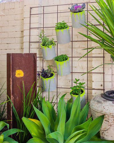 Do It Yourself Home Design: Vertical Garden: Create Your Own Vertical Garden Using