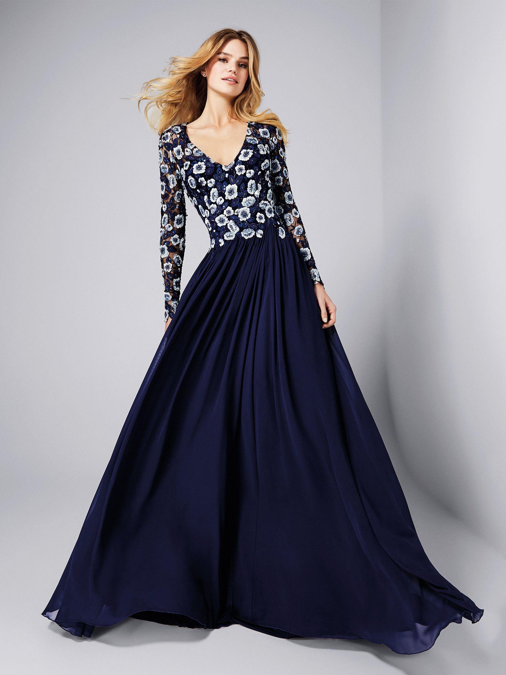 56ee476ff Vestido de fiesta falda de gasa - Colección fiesta 2018 Pronovias ...