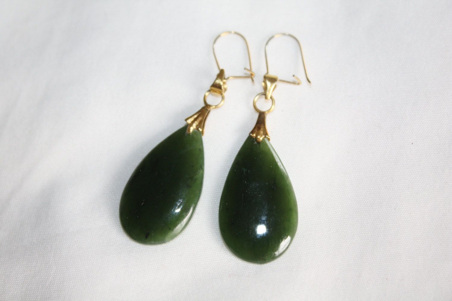 Vintage Jade Earrings Tear Drop Dangle 1980s Estate  Jewelry by patwatty on Etsy