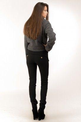 Узкие черные брюки с отворотом и в вставкой из кожзама курточка