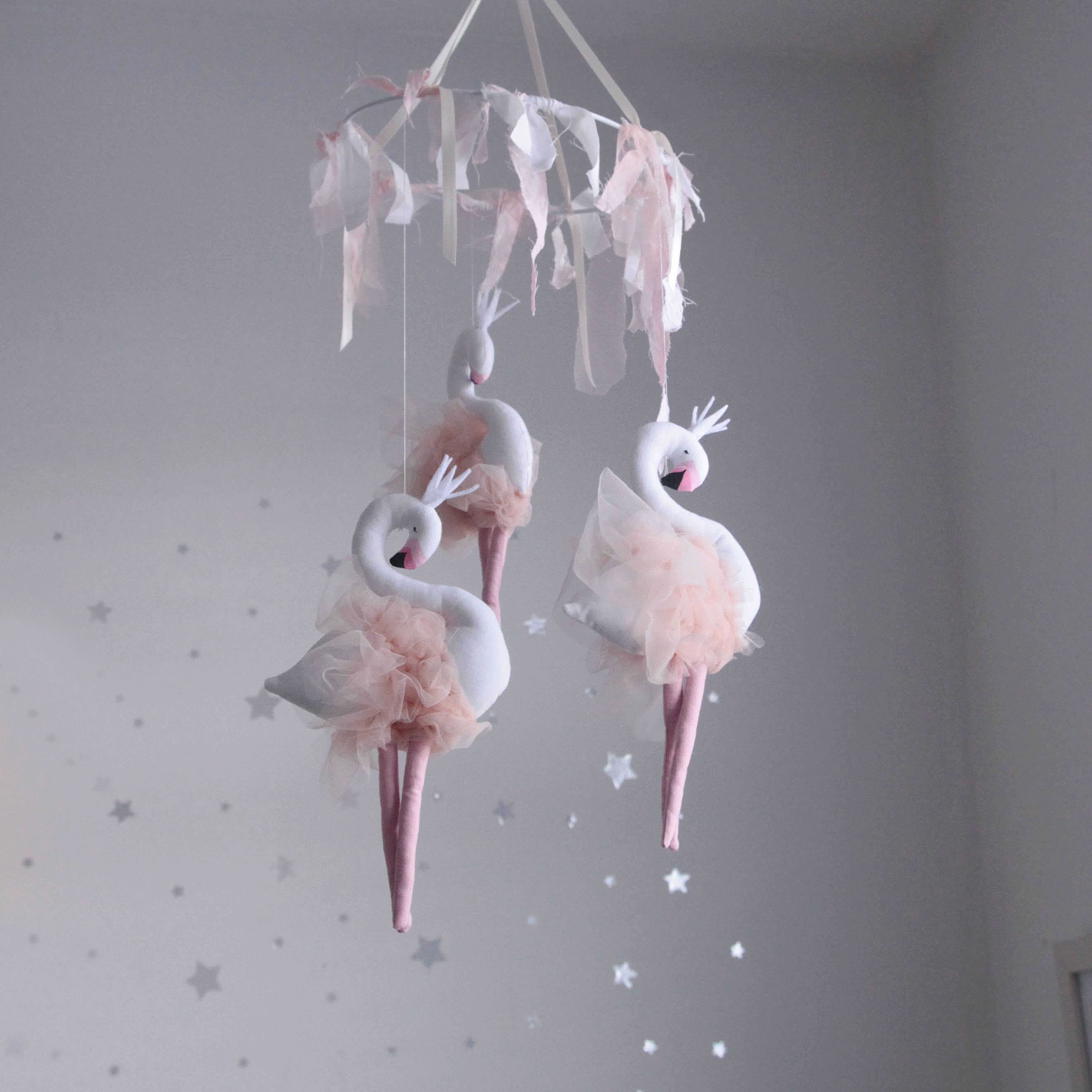 Baby flamingo car interior design - 3 Mini Liliana Flamingos Make Up This Beautiful Mobile Each Flamingo Is Stuffed By Hand