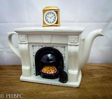 Rare Swineside Collectors Teapot Black Cat fireplace Mantle Clock Teapottery