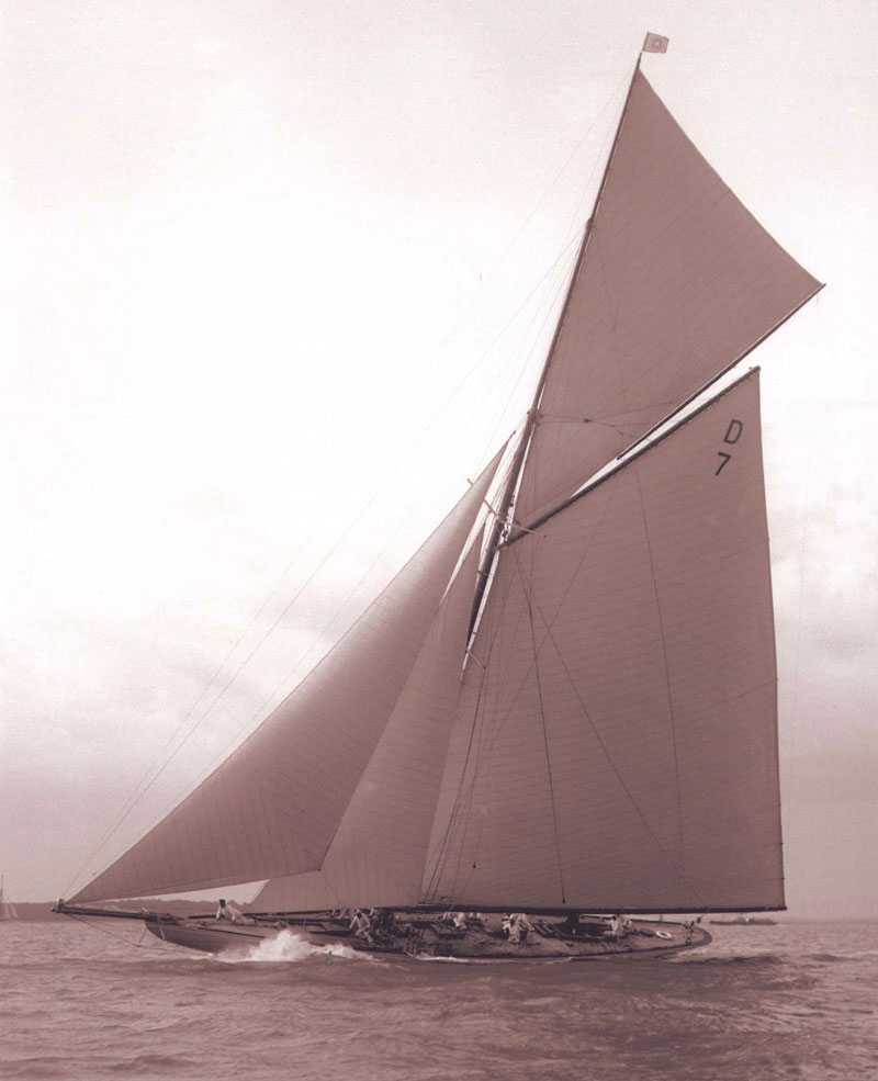 The 15mr Racing Yacht Istria Was Designed By Charles Ernest Nicholson And Built At The Camper Nicholsons Yard In 2020 Sailboat Living Classic Sailing Sailing Ships