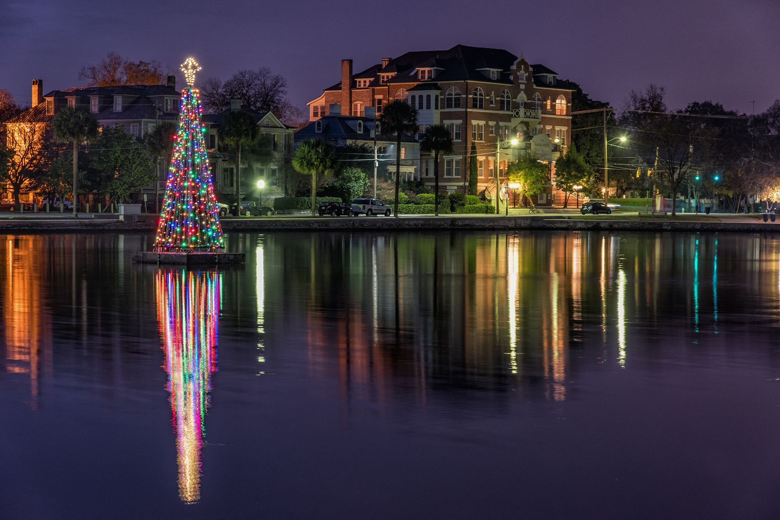 35 Best Christmas Light Displays Across the Country That