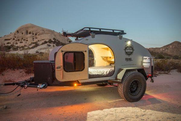wohnanh nger und dachzelte von off the grid rentals aus kalifornien wohnwagen teardrop camper. Black Bedroom Furniture Sets. Home Design Ideas
