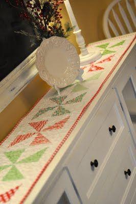 Christmas Pinwheels Table runner--cute pinwheels for Christmas