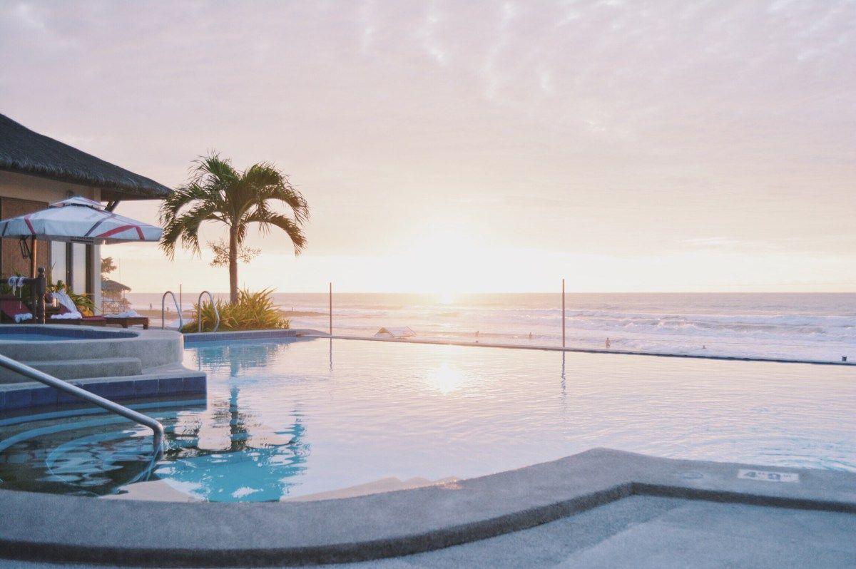Stay The Night Kahuna Beach Resort Kahuna Beach Resort Beach Resorts Resort