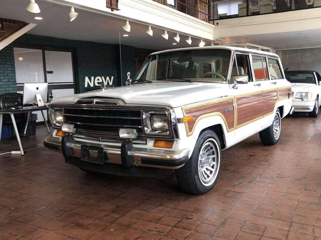 1990 Jeep Grand Wagoneer For Sale 2281507 Hemmings Motor News In 2020 Jeep Grand Jeep Jeep Wagoneer