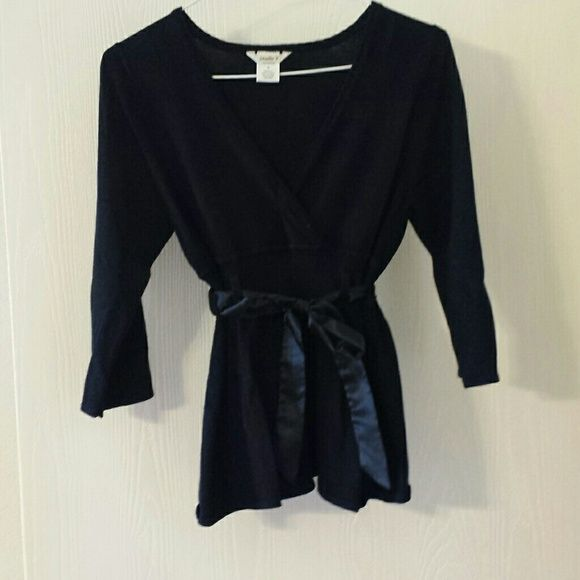 Black top with tie sz sm Black 3/4 sleeve with black tie front belt sz small.  V neck. Tops