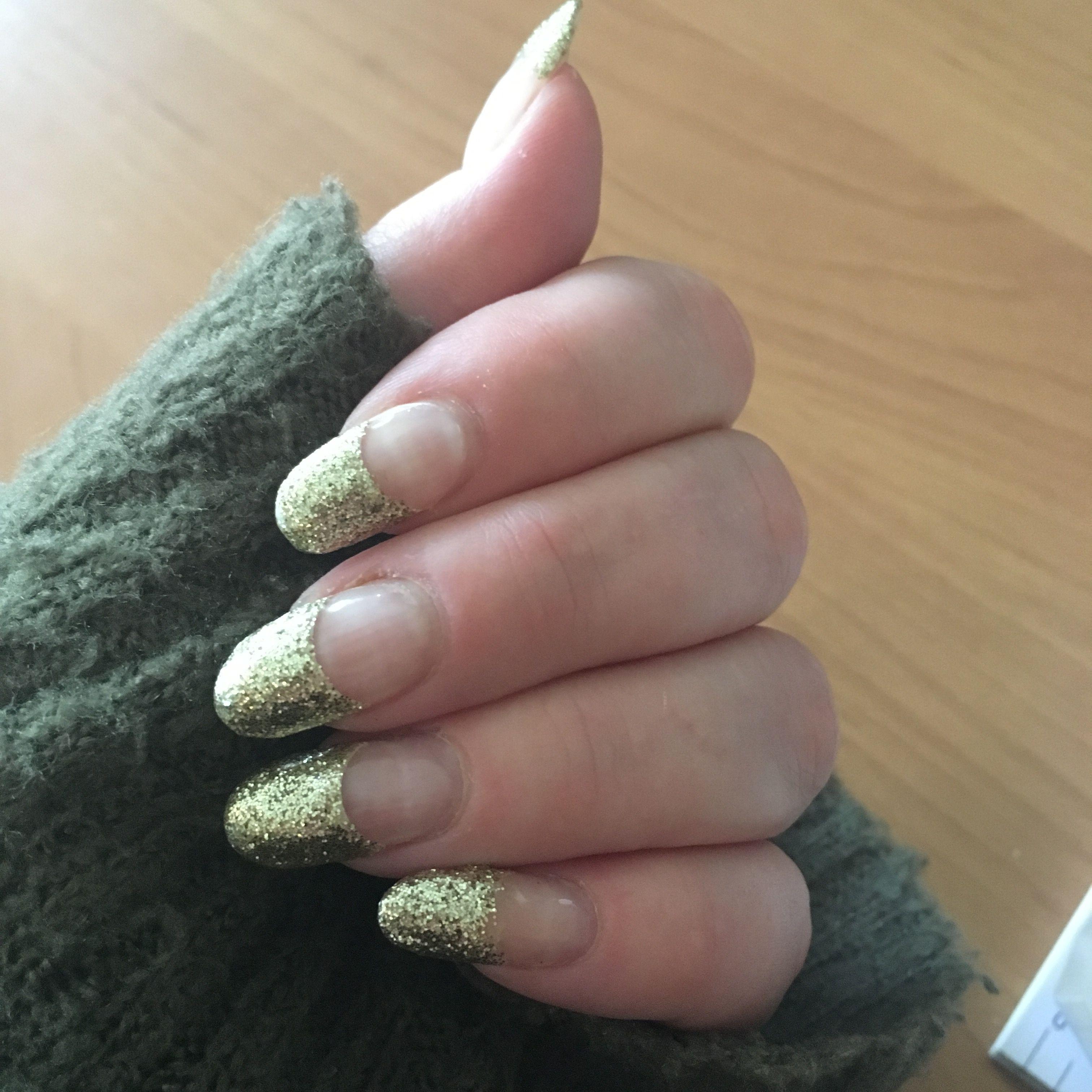 Acryl nagels met gellak goud glitter tips - Nagels | Pinterest ...