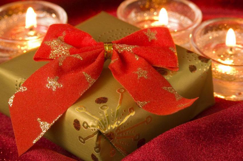 Image from http://cf.ltkcdn.net/christmas/images/slide/165249 ...