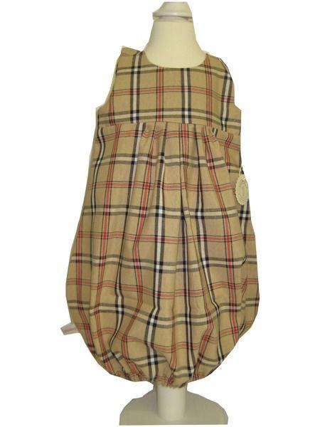 Hier habe ich ein zauberhaftes Ballonkleid.    In Karo/Beige, ein Traum für jedes Mädchen, ob in der Freizeit oder zu Festlichkeiten.      Dieses a...