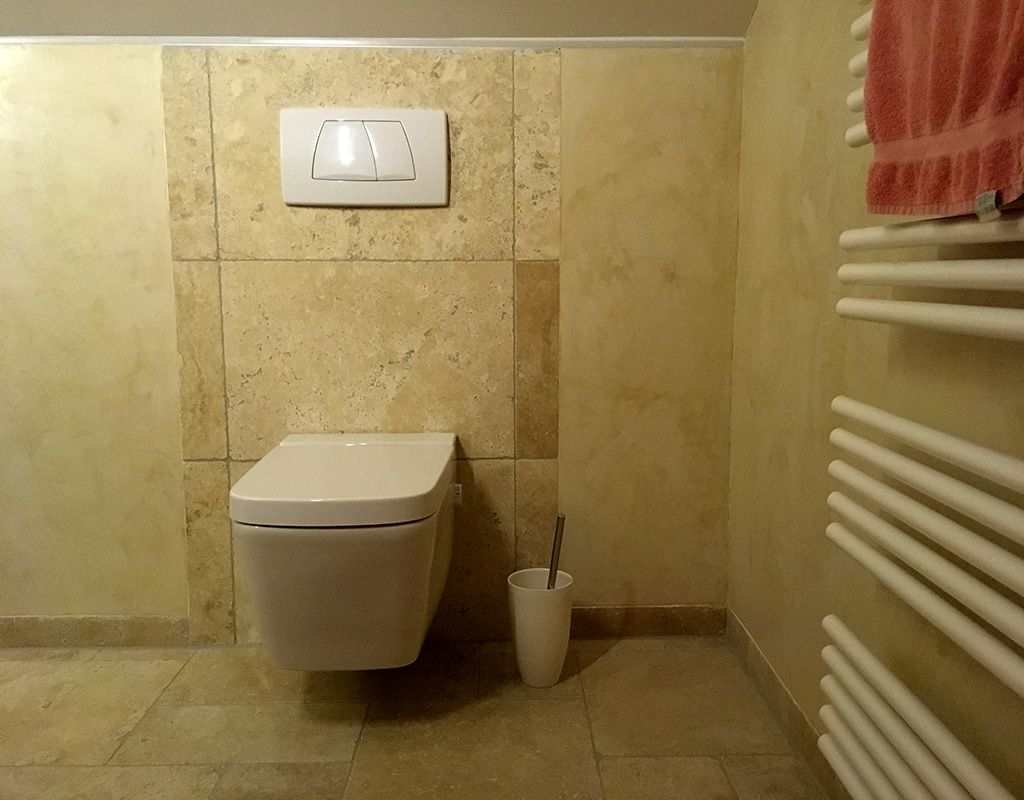Badezimmer Stuccoveneziano Edlewande Modernerstil Doityourself Venezianischeglattkelle Moderner Stil Badezimmer Baumaterialien